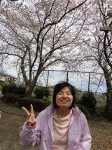 桜と一緒にピース
